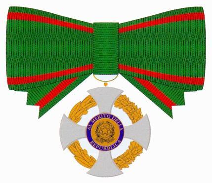 Onorificenza dell ordine al merito della repubblica for Senatori della repubblica italiana nomi