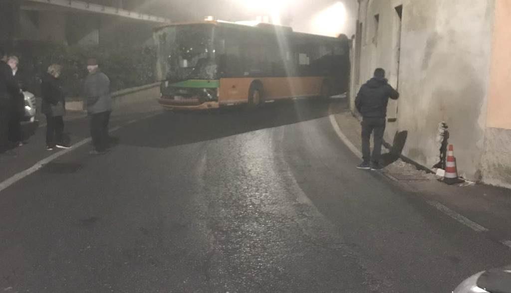 Incidente autobus Navezze gennaio 2019